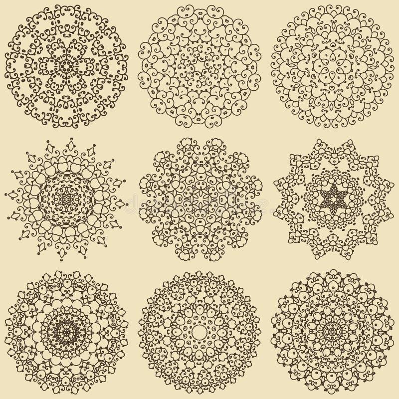 Ensemble de mandalas Ornements ronds décoratifs image stock