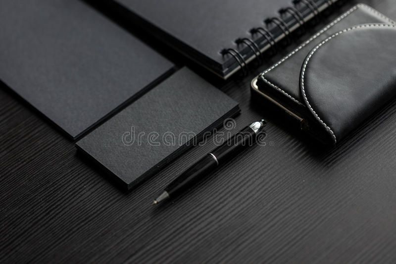 Ensemble de maquettes noires sur le fond foncé, femelle images stock