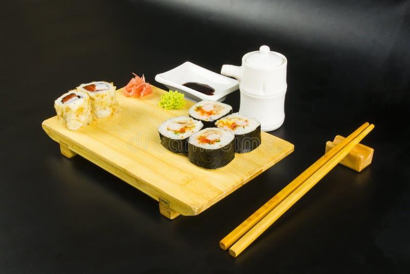 Ensemble de petit pain de sushi photographie stock