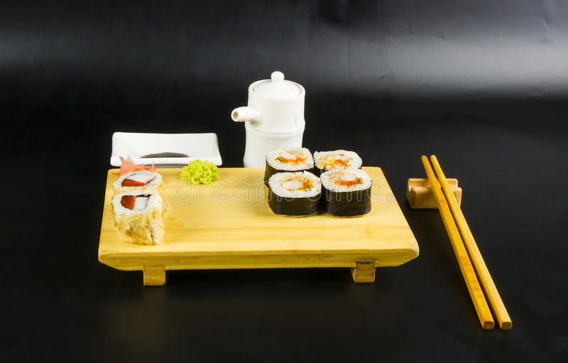 Ensemble de petit pain de sushi photo stock