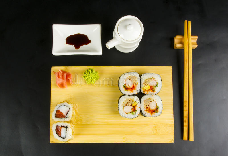 Ensemble de petit pain de sushi image stock