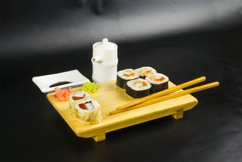 Ensemble de petit pain de sushi photos stock