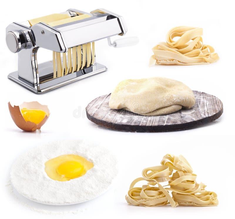 Ensemble de produits et d'outils pour les pâtes faites maison images libres de droits