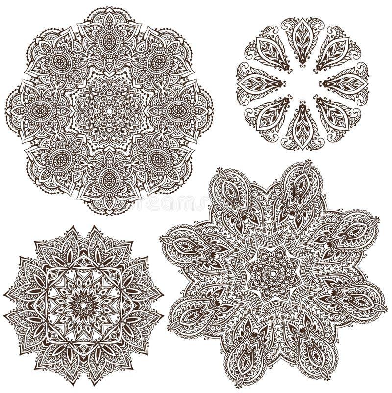 Ensemble de quatre mandalas ronds de conception de dentelle de vecteur abstrait illustration stock