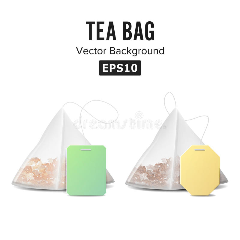Ensemble de sachet à thé de forme de pyramide Moquerie avec le label jaune et vert vide D'isolement sur le fond blanc Illustratio illustration stock