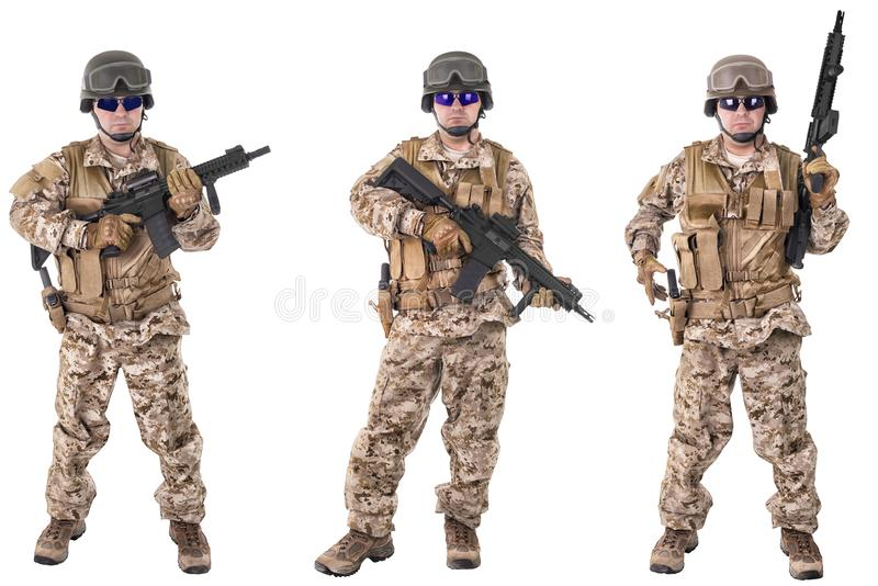 Ensemble de soldats militaires dans des vêtements de camouflage, d'isolement sur le fond blanc image stock