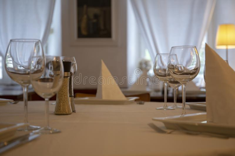 Ensemble de table de restaurant photos libres de droits