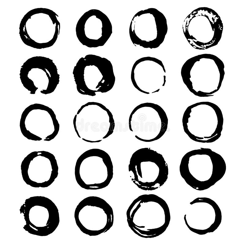Ensemble de taches à l'encre noire de vin ou de café de vecteur tiré par la main de brosse d'isolement sur le blanc illustration libre de droits