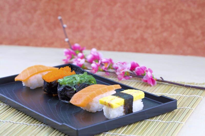 Ensemble japonais de sushi de fruits de mer photos libres de droits