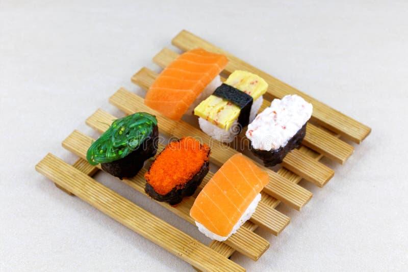 Ensemble japonais de sushi de fruits de mer photos stock