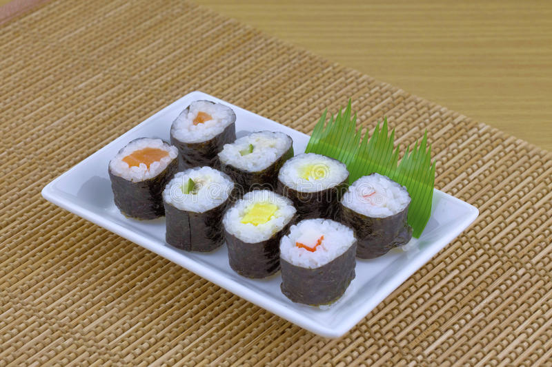 Ensemble japonais de sushi de fruits de mer photo stock