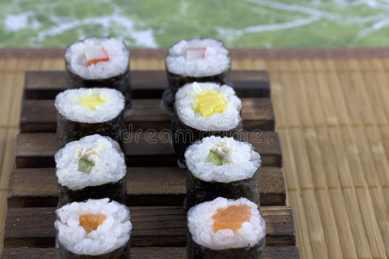 Ensemble japonais de sushi de fruits de mer image stock