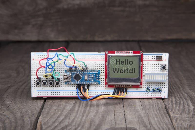 Ensemble manuel de microcontrôleur électronique Ensemble de longeron photo stock