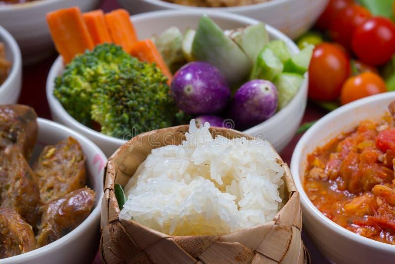 Ensemble thaïlandais d'ensemble de nourriture de riz collant photographie stock