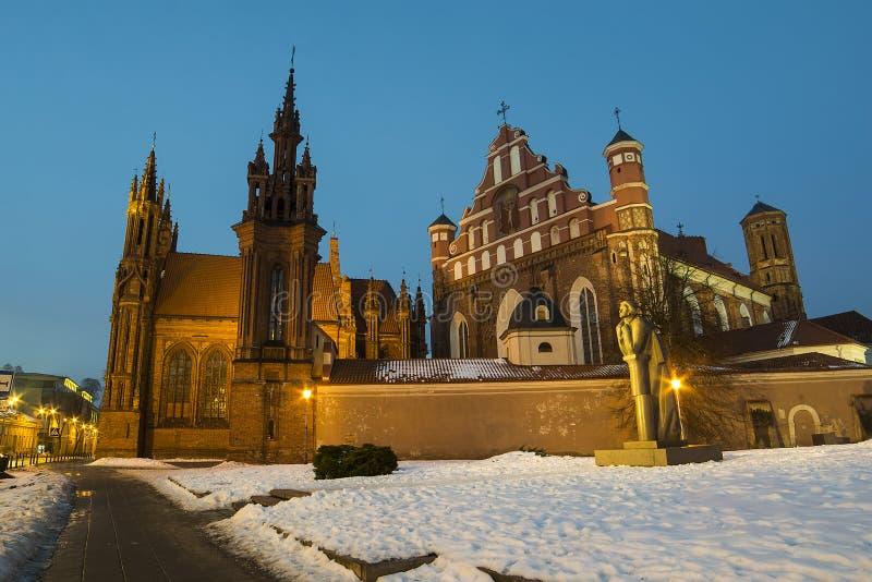 Ensemble von St Anne und Bernadineâs Kirchen in Vilnius stockfotografie