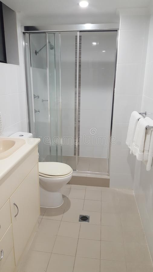 Ensuite łazienka z Głównej sypialni przy luksusowym Plażowym domem, Coolangatta, Qld fotografia royalty free