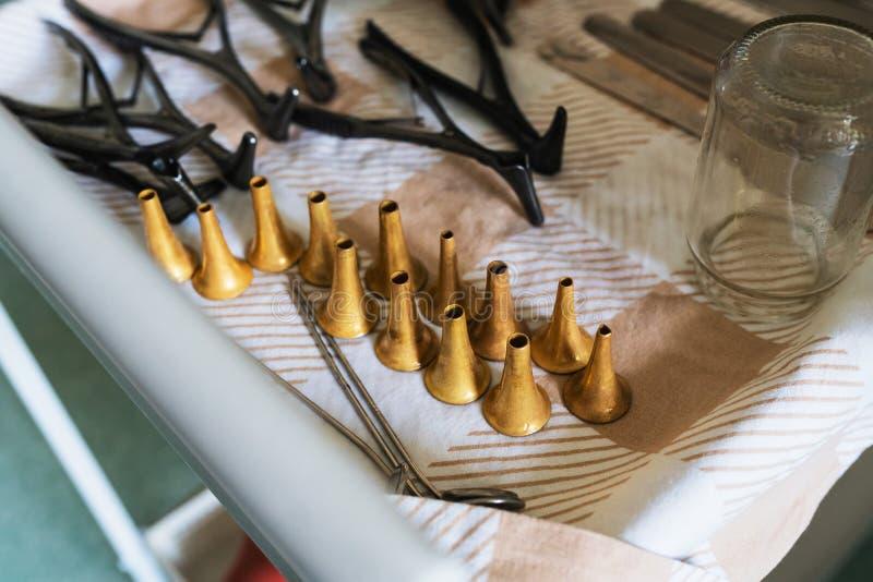 ENT materiaal Een reeks van Otolaryngolooginstrument stock afbeeldingen