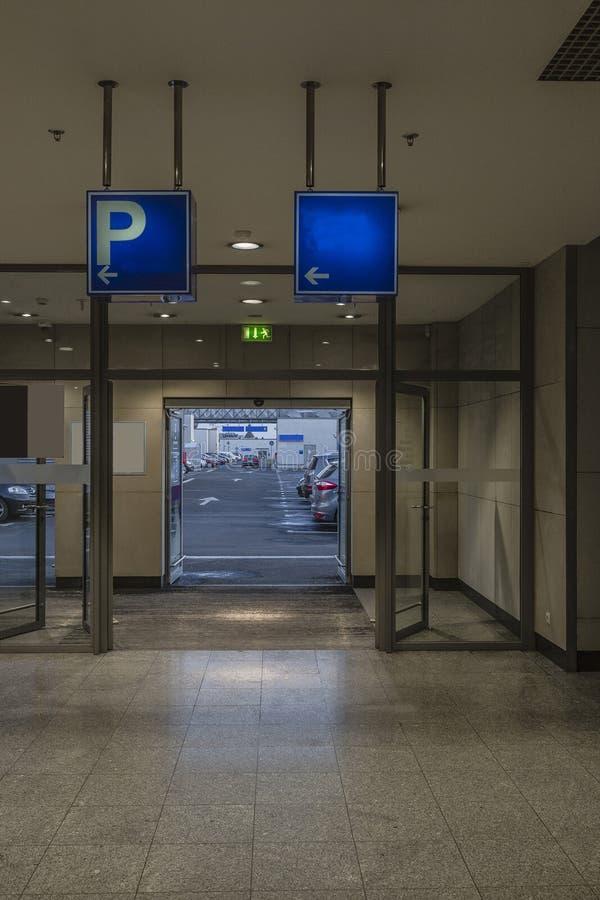 Entance au parking photo stock