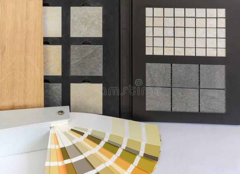Entarimado material del modelo, piedra natural, tejas, tablones de madera, tarjeta del color para la construcción de viviendas, t imagenes de archivo