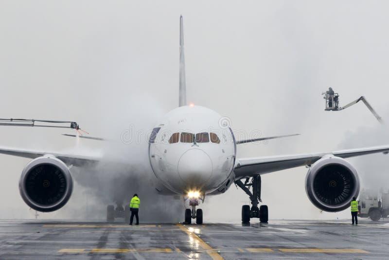 Enteisungslot polish airlines, Boeing B787 Dreamliner lizenzfreies stockfoto