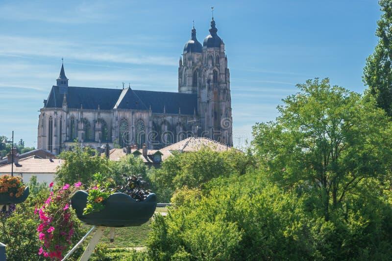 Entfernte Ansicht der Basilika des Heilig-Nicolas-De-Hafens lizenzfreie stockfotografie