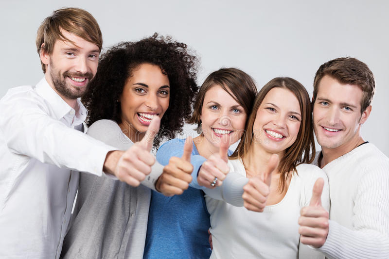 Enthusiastisches Gruppe von Personenen-Geben Daumen oben lizenzfreies stockfoto
