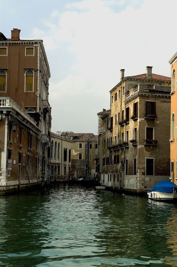Entlang den Straßen von Venedig lizenzfreies stockfoto