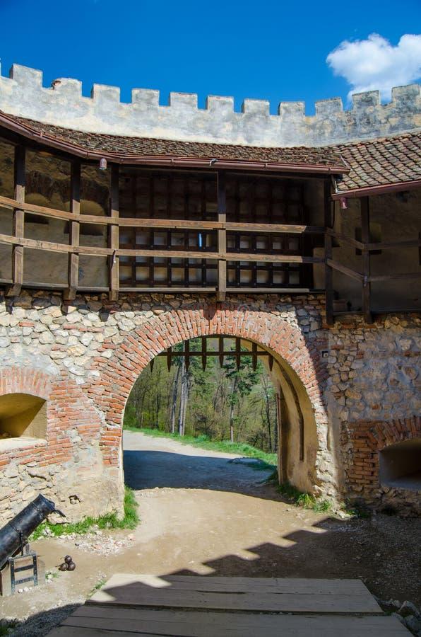 Entrée à la forteresse de Rasnov photos libres de droits