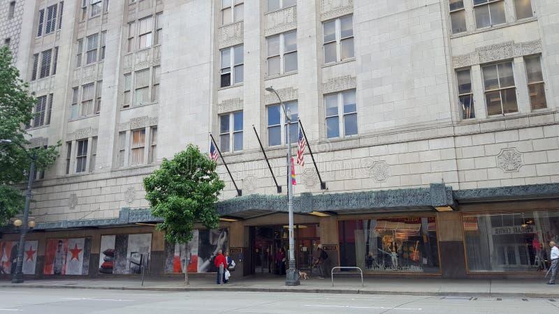 Entrée à Macy& x27 ; magasin de s dans le bâtiment historique photo stock