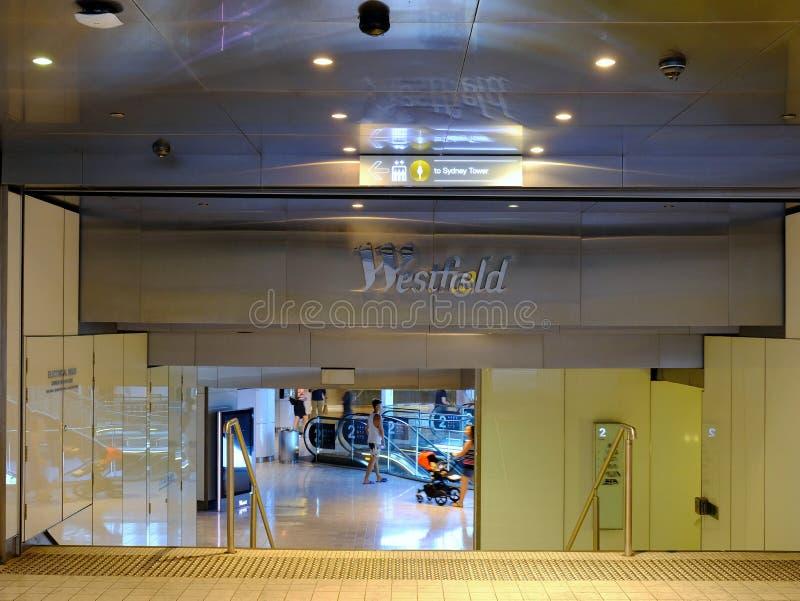 Entrée au centre commercial moderne, Sydney, NSW, Australie images libres de droits