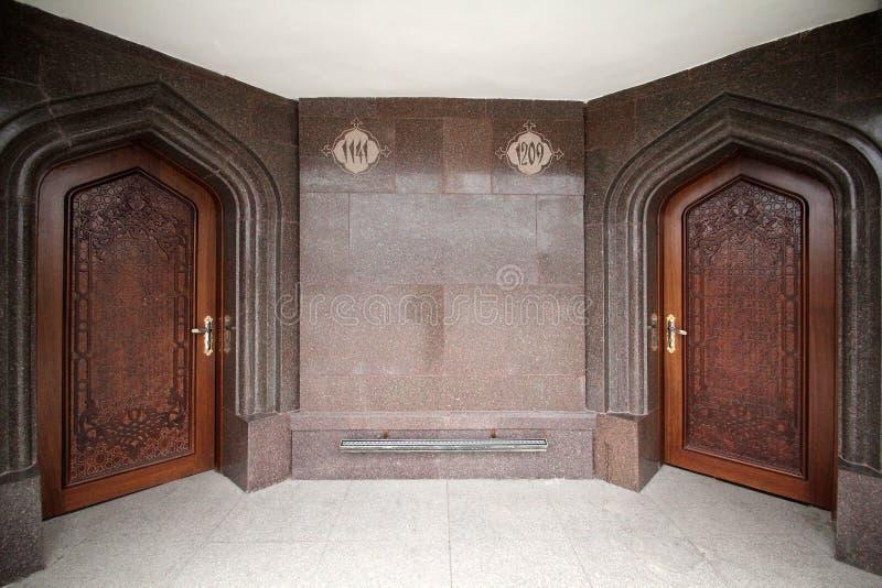 Entrée au mausolée sur la tombe du poète Nizami Ganjavi, architecte Farman Imamkuliyev image libre de droits