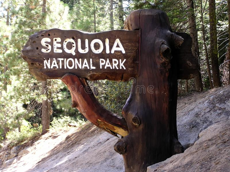 Entrée au parc national de séquoia en Californie, Etats-Unis images libres de droits
