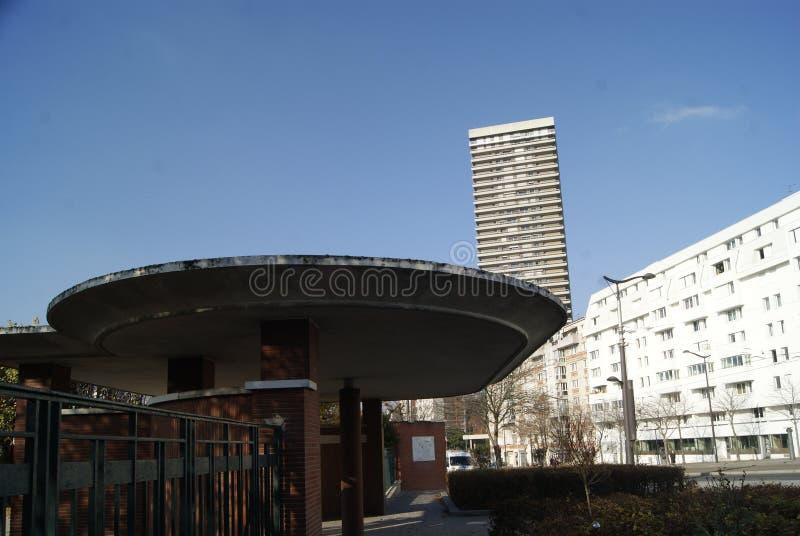 Entrée au stationnement arrondissement de Paris 13ème images libres de droits