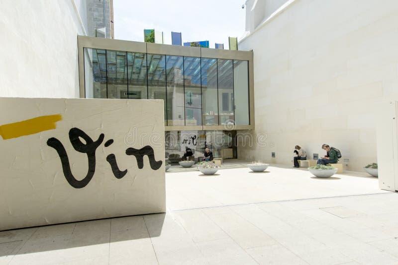 Entrée avant de Vincent Van Gogh Foundation Arles image libre de droits