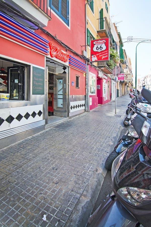 Download Entrée D'enseigne Au Néon Du Wagon-restaurant 66 De Restaurant Image éditorial - Image du jour, europe: 77152535