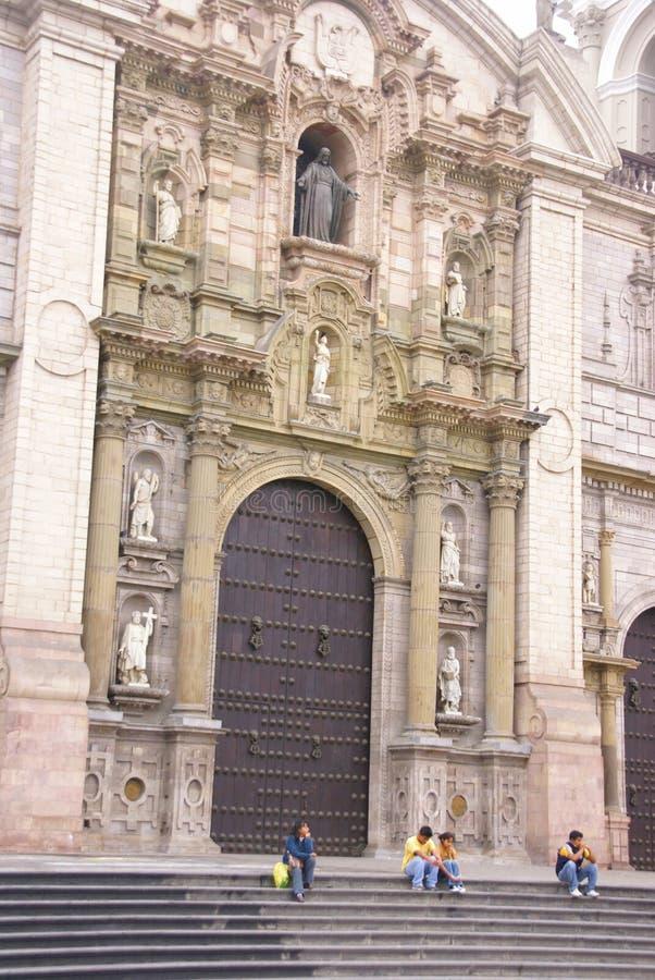 Entrée de cathédrale images stock