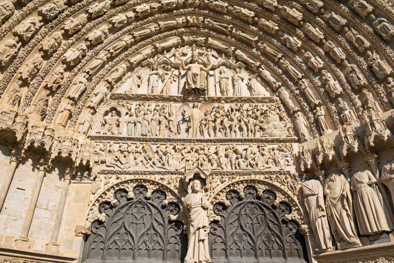 Entrée de cathédrale de Bourges, France image libre de droits