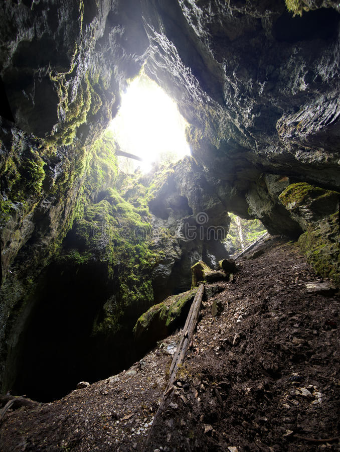 Entrée de caverne images libres de droits