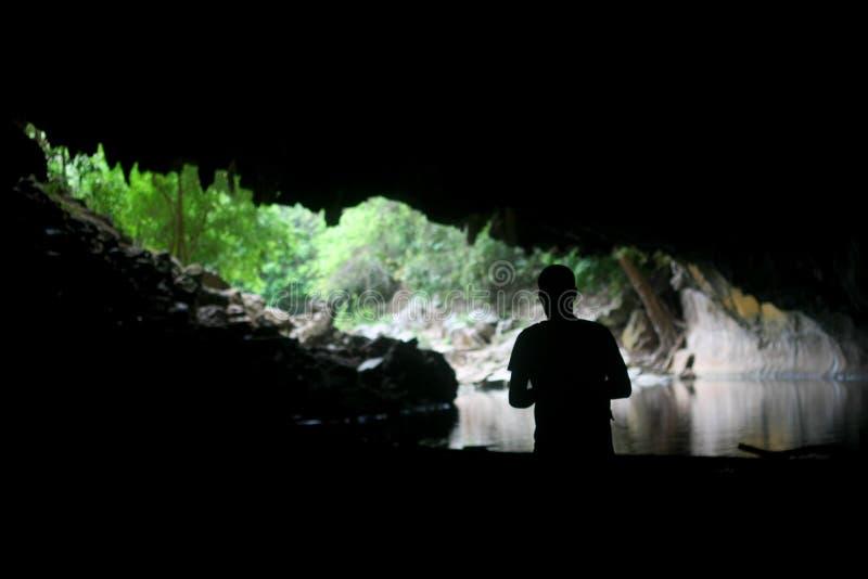 Entrée de caverne de Konglor photographie stock