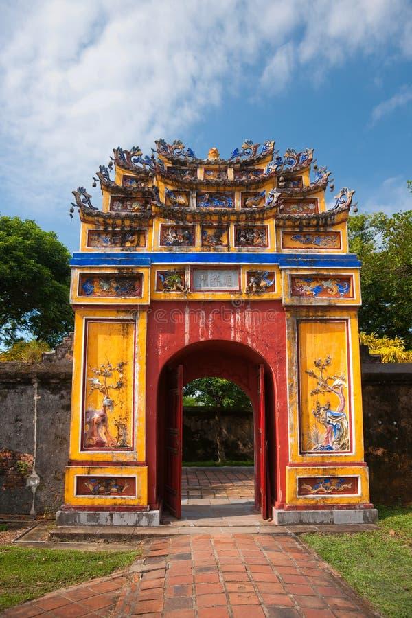 Entrée de citadelle, tonalité, Vietnam. image stock