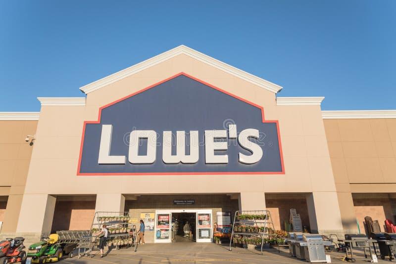 Entrée de façade de détaillant d'amélioration de l'habitat de Lowe aux Etats-Unis photo libre de droits
