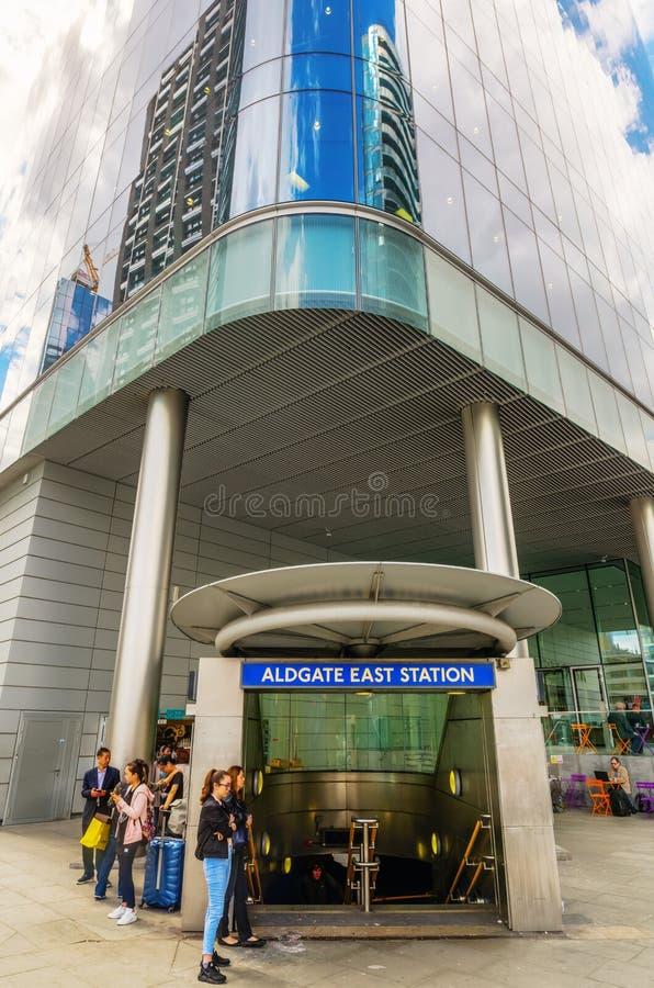 Entrée de la station est d'Aldgate à Londres, R-U image libre de droits