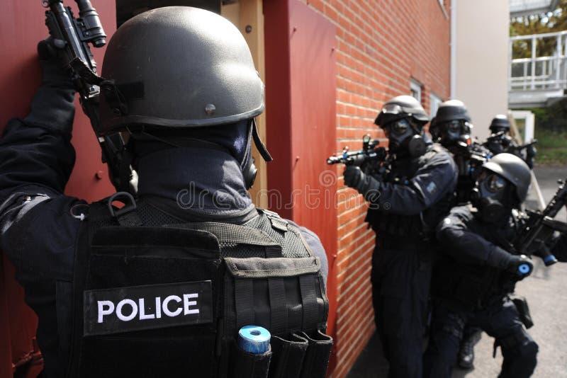 Entrée de maison de SWAT photo libre de droits