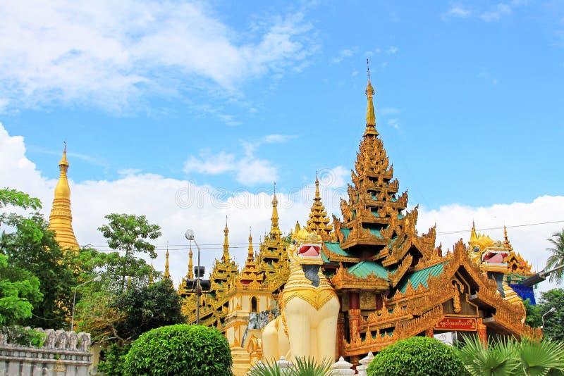 Entrée de pagoda de Shwedagon, Yangon, Myanmar photos libres de droits