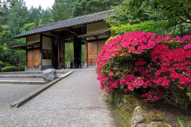 Entrée de porte au jardin de Japonais de Portland images stock