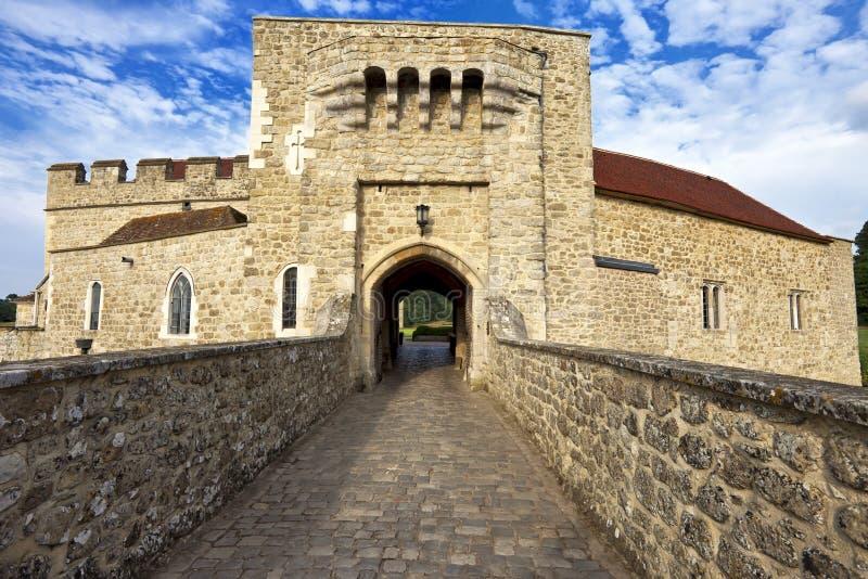 Entrée de porte de Leeds Castle, Kent, Royaume-Uni image stock