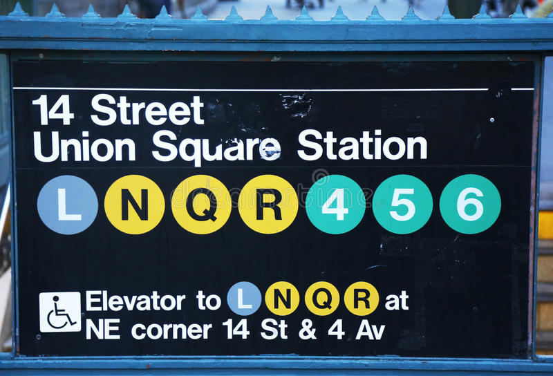 Entrée de station de métro d'Union Square à la 14ème rue à New York photographie stock