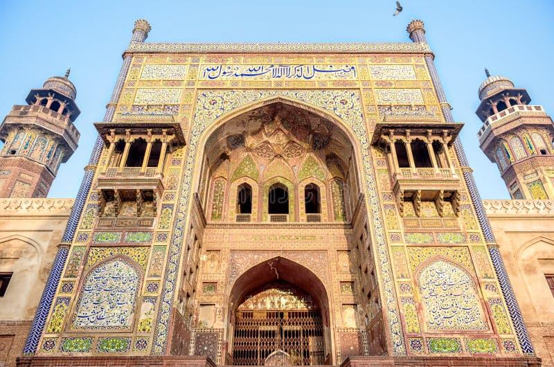 Entrée de Wazir Khan Mosque photo stock