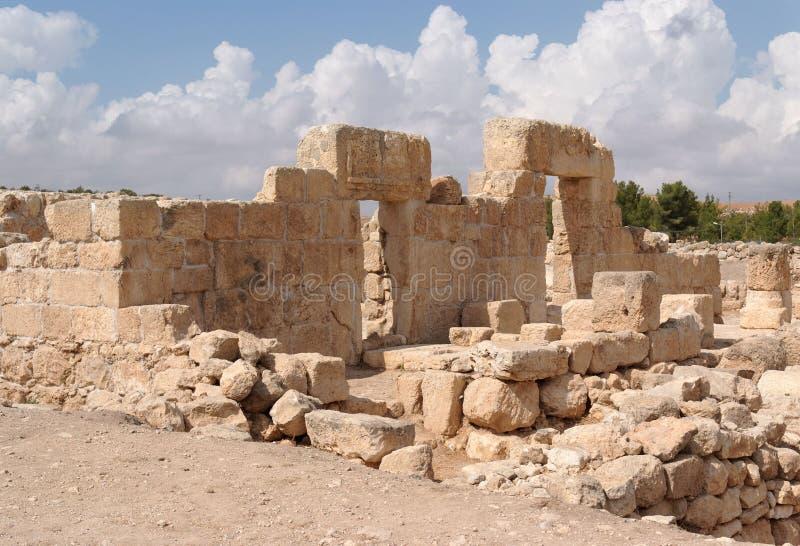 Entrée et mur en pierre de temple antique ruiné photos libres de droits