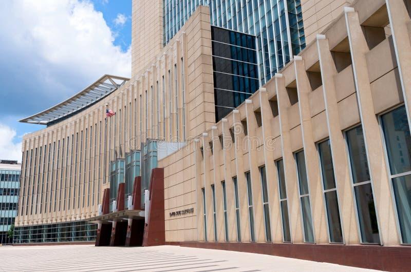 Entrée et plaza de tribunal à Minneapolis image stock
